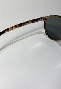 Meller - NYASA - Sunglasses - tigris olive - 3