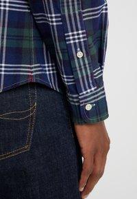 Polo Ralph Lauren - OXFORD SLIM FIT - Vapaa-ajan kauluspaita - hunter green - 4