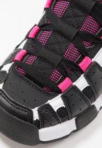 Tommy Jeans - JAWZ  - Sneakersy niskie - black/white/green gecko/pink glow - 2