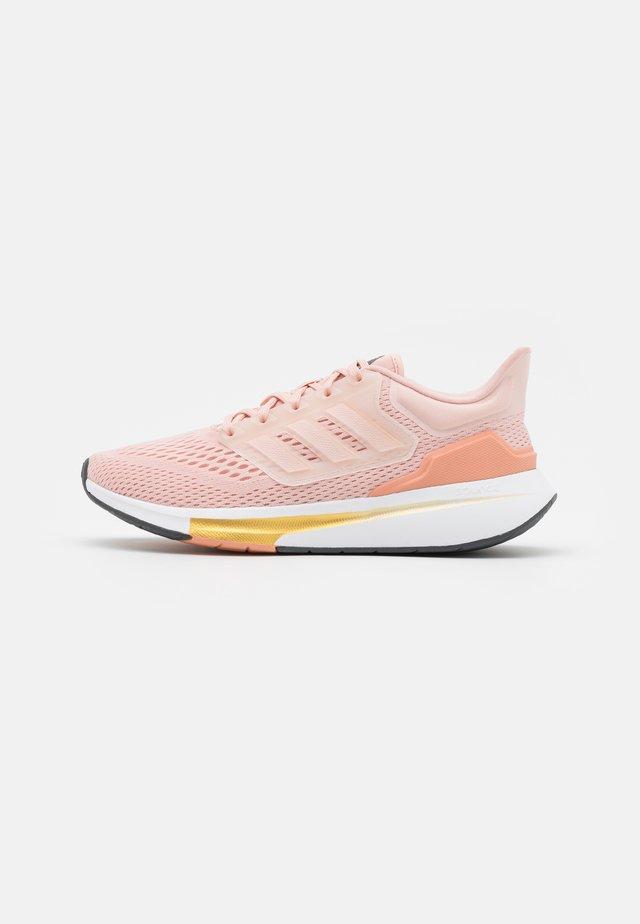 EQ RUN - Neutrální běžecké boty - vapour pink/ambient blush