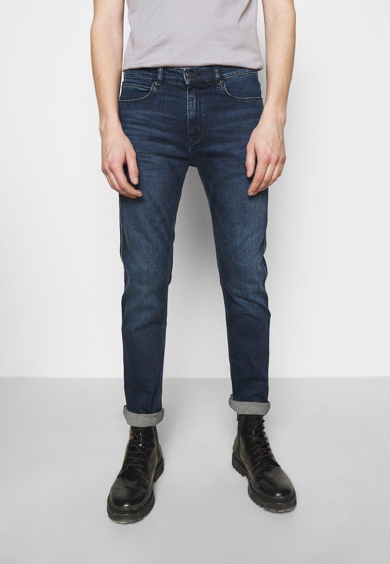 HUGO - Slim fit jeans - medium blue