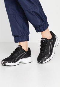 ASICS SportStyle - GEL-1090 - Sneakersy niskie - black - 0