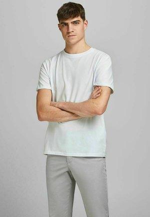 JPRBLALOGO SPRING TEE CREW NECK  - T-paita - white