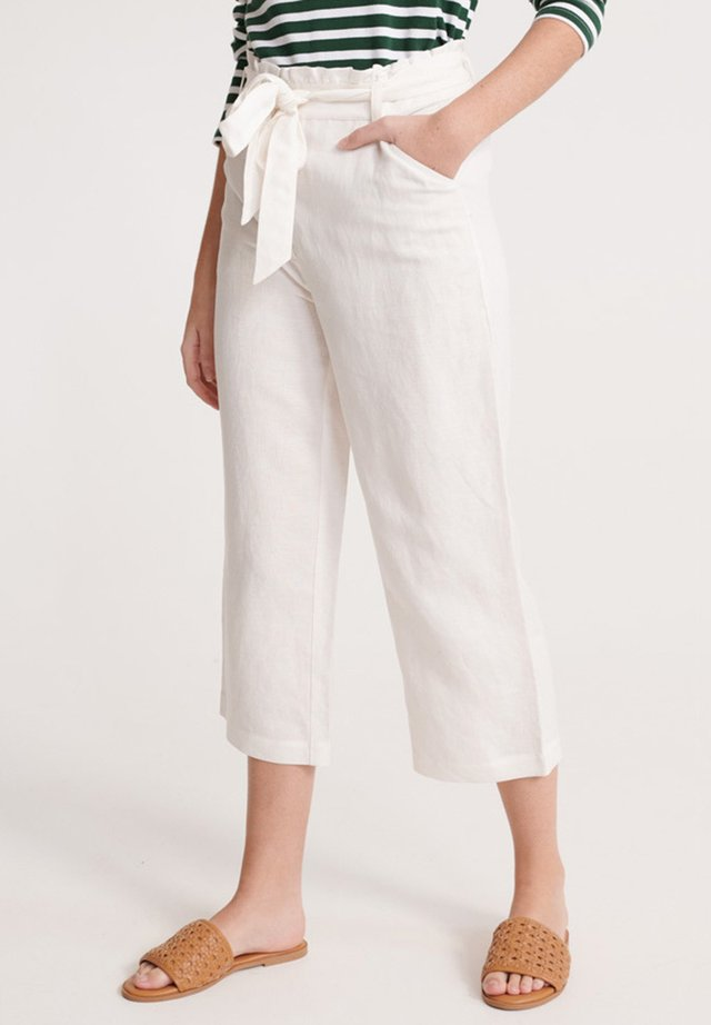 Trousers - chalk white