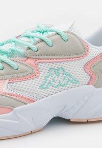 Kappa - CRUMPTON - Sports shoes - white/rosé - 5