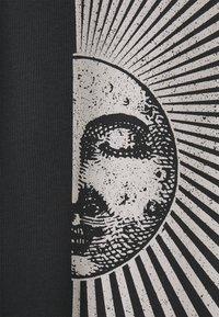 ONLY - ONLJOYFULL OVERSIZED - T-shirt print - phantom - 2