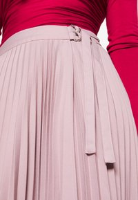 NA-KD - BELTED PLEATED SKIRT - A-Linien-Rock - lilac - 5