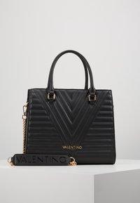 Valentino Bags - CAJON - Sac à main - nero - 1
