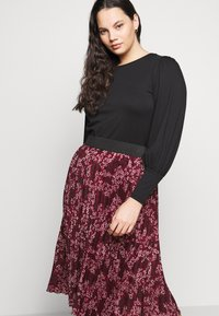 CAPSULE by Simply Be - FLORAL PLEAT MIDI SKIRT - A-line skirt - berry - 3