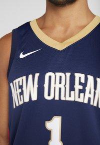 Nike Performance - NBA ZION WILLIAMSON NEW ORLEANS PELICANS SWINGMAN - Print T-shirt - college navy - 5