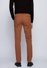 BOSS - Chino - dark brown - 2