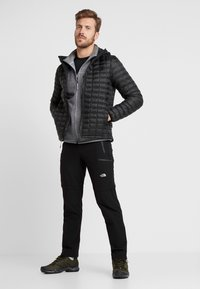 The North Face - THERMOBALL ECO HOODIE - Veste d'hiver - black matte - 1
