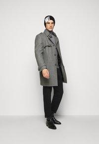 DRYKORN - SKOPJE - Short coat - grey - 1