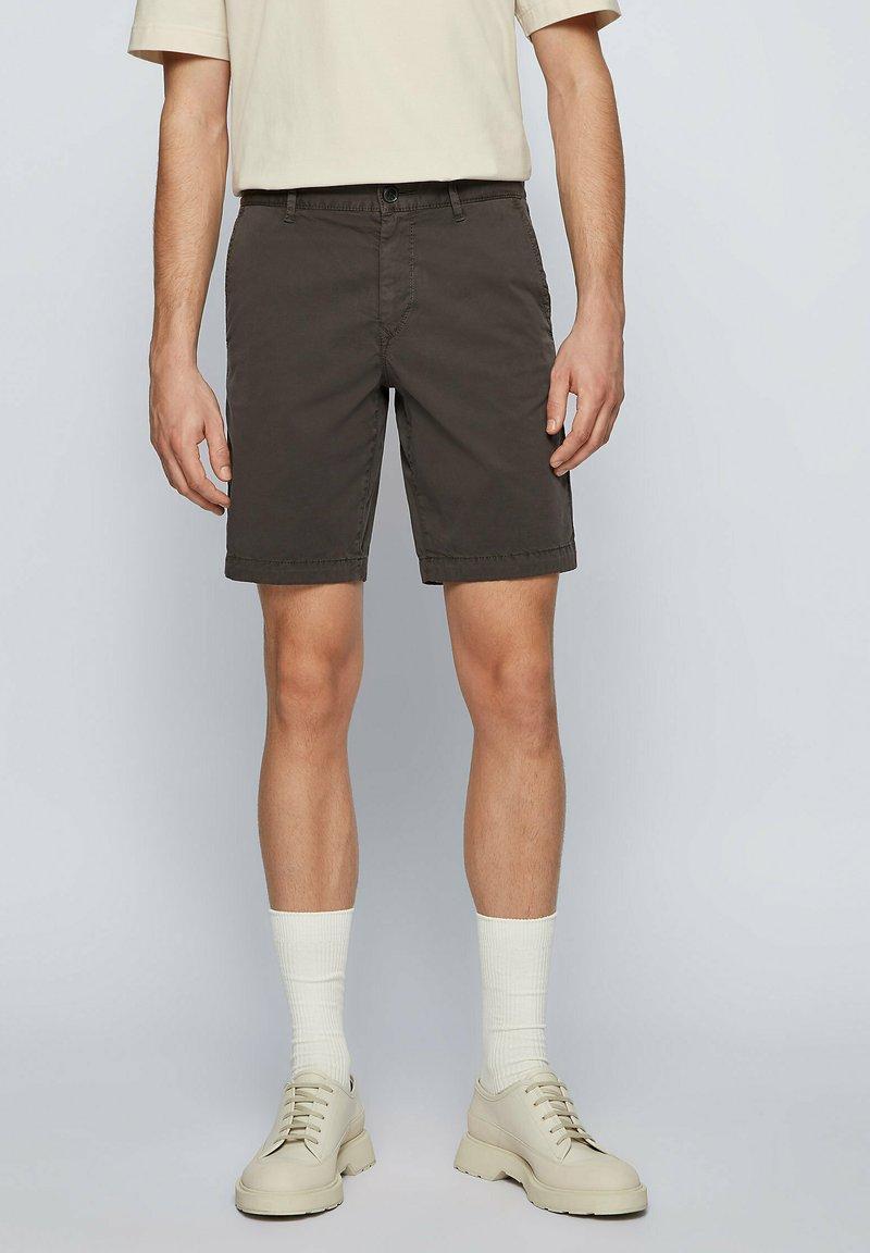 BOSS - SCHINO - Shorts - anthracite