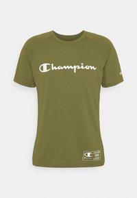 Champion - CREWNECK - T-shirt con stampa - khaki - 6