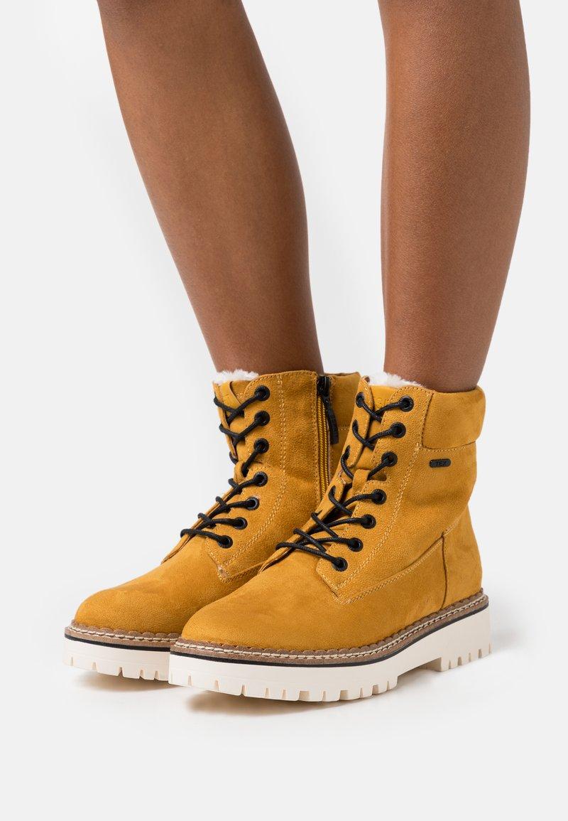 Esprit - SIENA TEX BOOTIE - Snørestøvletter - amber yellow
