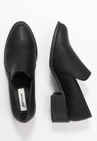 Matt & Nat - CASTELNEAU VEGAN  - Classic heels - black - 3