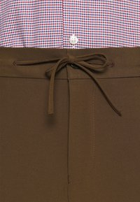 Isaac Dewhirst - THE RELAXED SUIT  - Suit - brown - 8