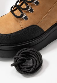 Vagabond - TARA - Ankle boots - golden oat - 7