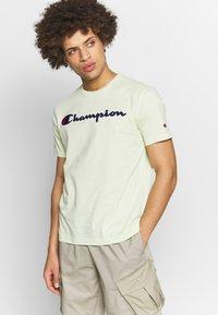 Champion Rochester - ROCHESTER CREWNECK  - T-shirts print - light green - 0