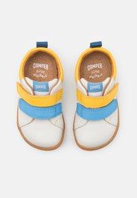 Camper - PEU CAMI - Klittenbandschoenen - white/natural - 3