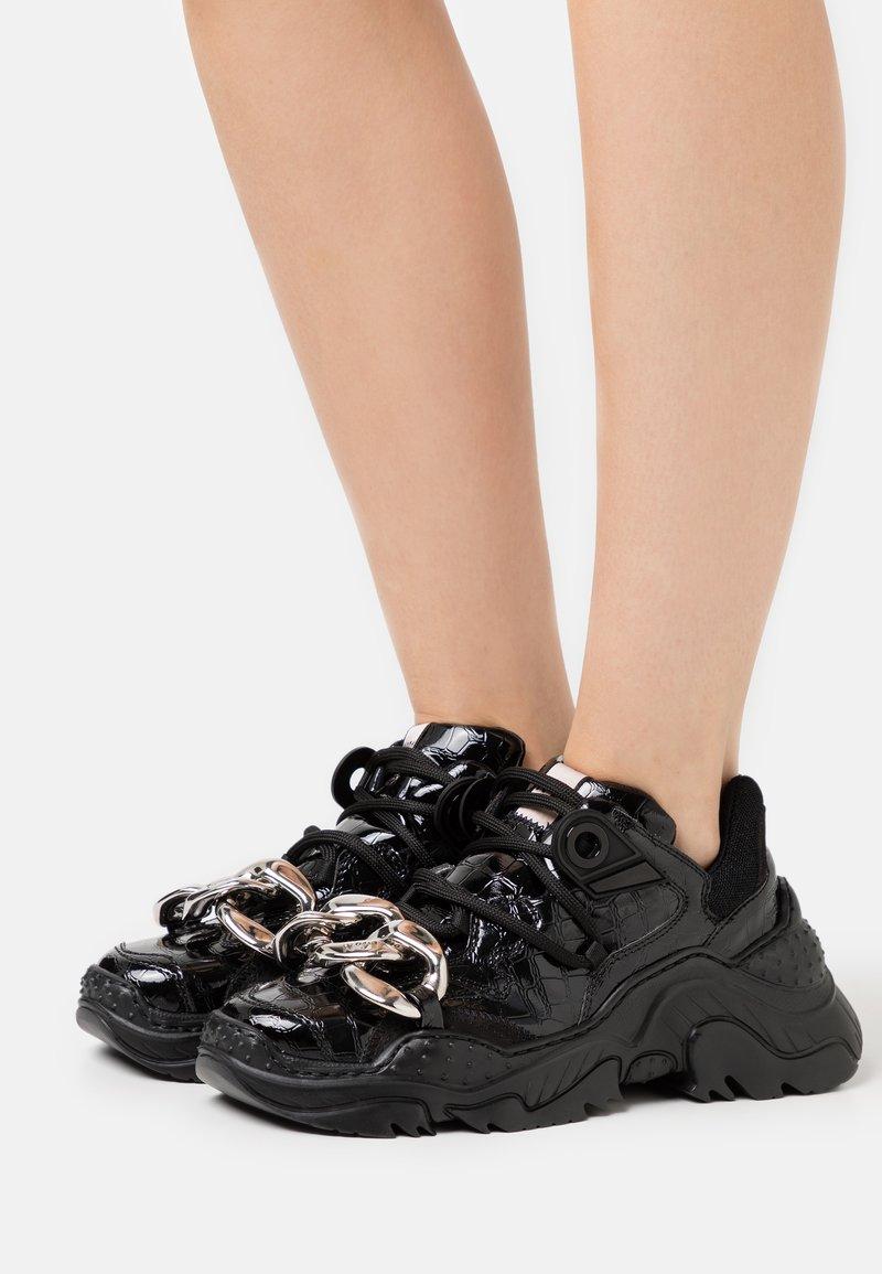 N°21 - BILLY - Trainers - black