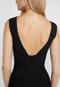 Hervé Léger - OFF SHOULDER BANDAGE DRESS - Shift dress - black - 4
