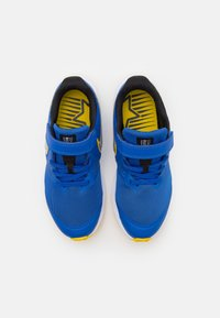 Nike Performance - STAR RUNNER 2 UNISEX - Hardloopschoenen neutraal - game royal/metallic silver/black/speed yellow - 3