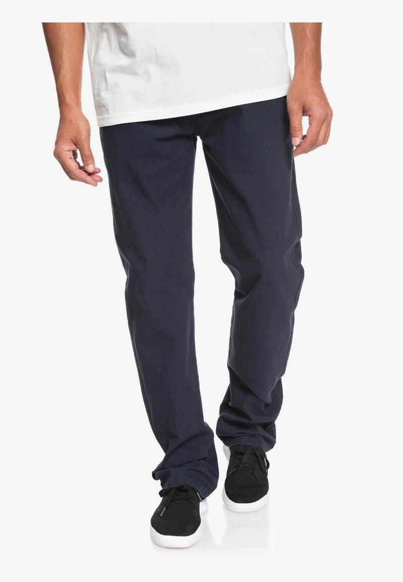 Quiksilver - GASTELU - Chinos - navy blazer