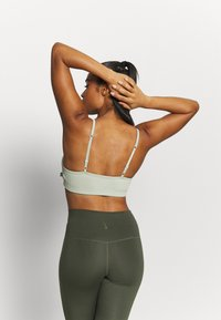 Cotton On Body - WORKOUT YOGA  - Light support sports bra - washed aloe - 3