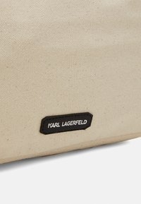 KARL LAGERFELD - IKONIK KARL CHOUPETTE TOTE - Shopping Bag - natural - 5
