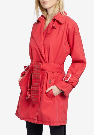 LUCILLE - Trench - red