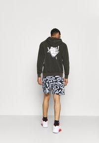 Jordan - ZION WILLIAMSON SHORT - Sports shorts - black/light smoke grey/white - 3