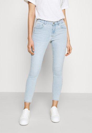 ONLDAISY LIFE PUSH UP - Jeansy Skinny Fit - light blue denim