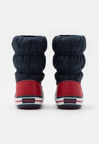 Crocs - CROCBAND UNISEX - Winter boots - navy/red - 2