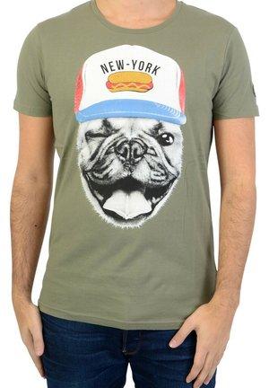 LE TEMPS DES CERISES REMY - T-shirt imprimé - green