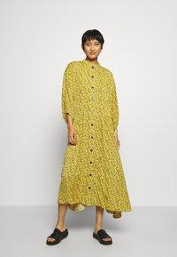 Gestuz - THALLOGZ LONG DRESS  - Shirt dress - yellow - 0