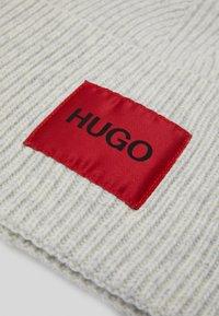 HUGO - XAFF UNISEX - Čepice - off-white - 3