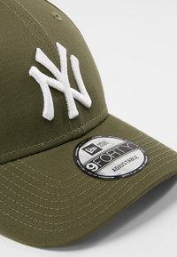 New Era - 9FORTY LEAGUE ESSENTIAL - Casquette - dark green - 5