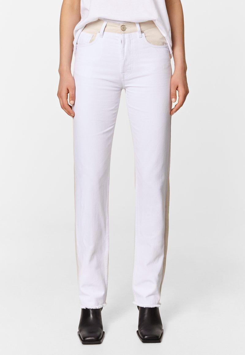 Bimba Y Lola - TWO-TONE - Jeans Straight Leg - white