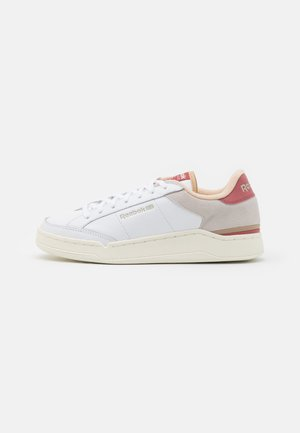 AD COURT - Sneaker low - footwear white/sahara/sand beige