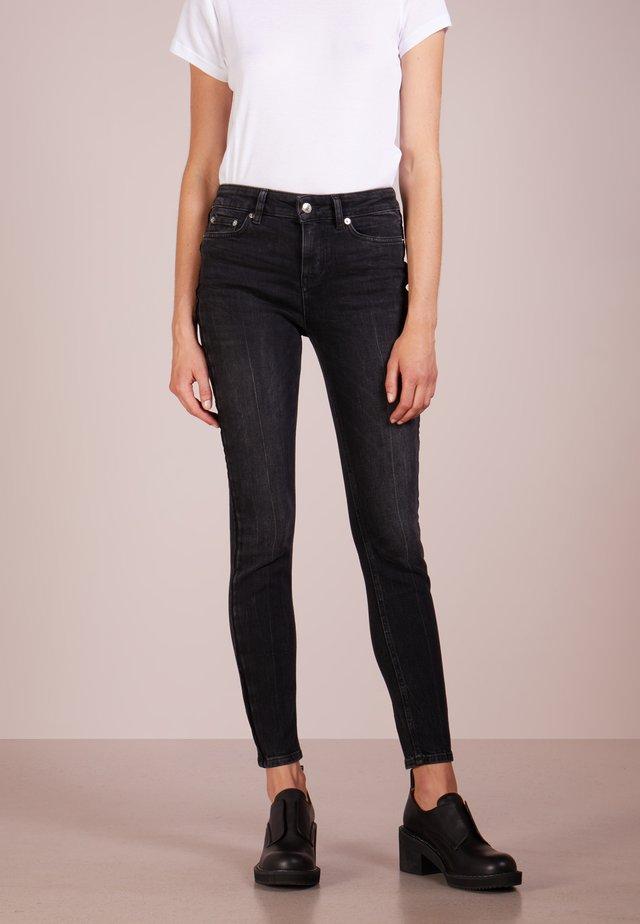 PULL - Skinny džíny - black
