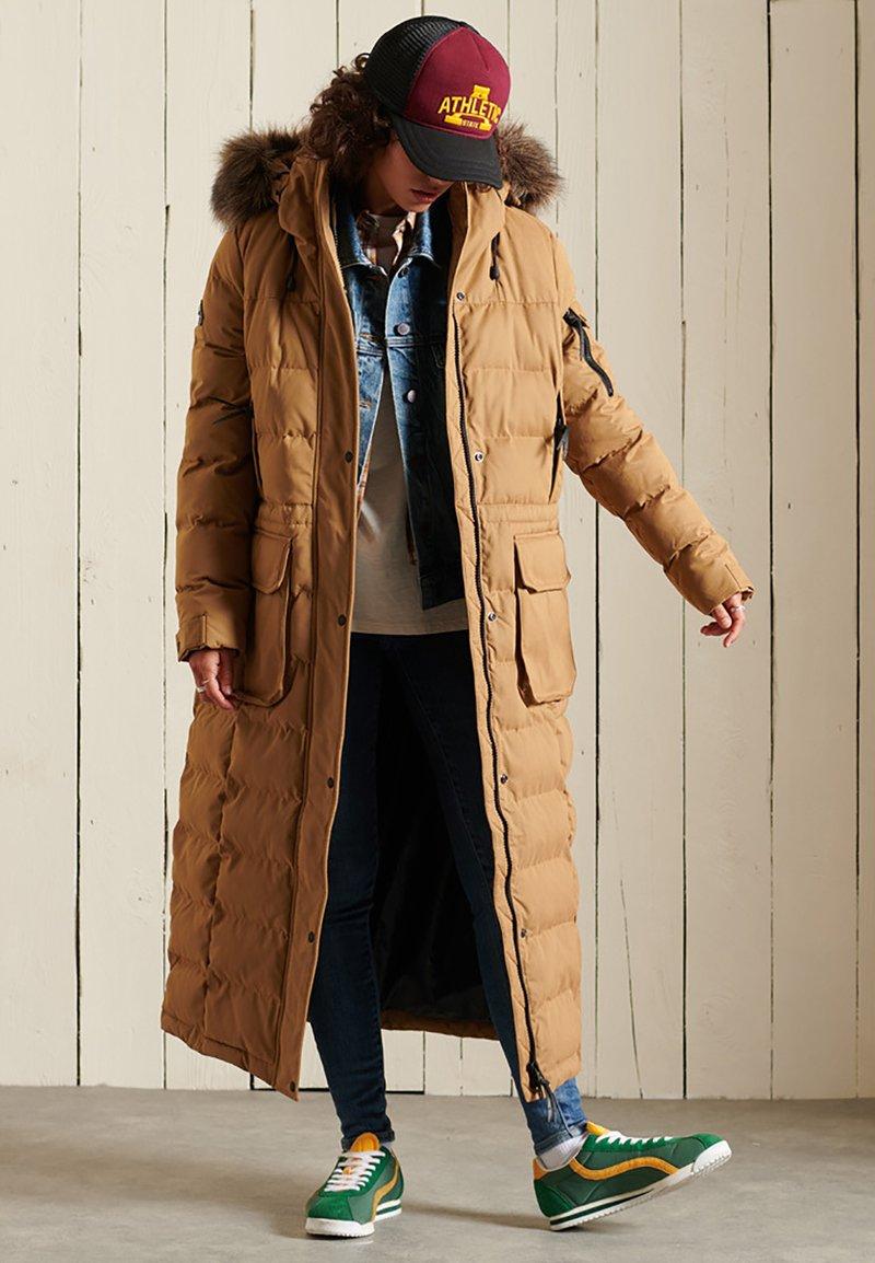 Superdry - EXPEDITION  - Winter coat - sandstone