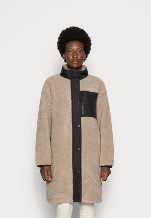 COAT ANICK - Zimní kabát - beige