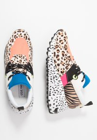 Steve Madden - CLIFF - Sneakers - orange - 3