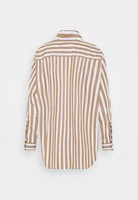 Marc O'Polo DENIM - BLOUSE LONGSLEEVE FLAP POCKET - Button-down blouse - multi/milky coffee - 7