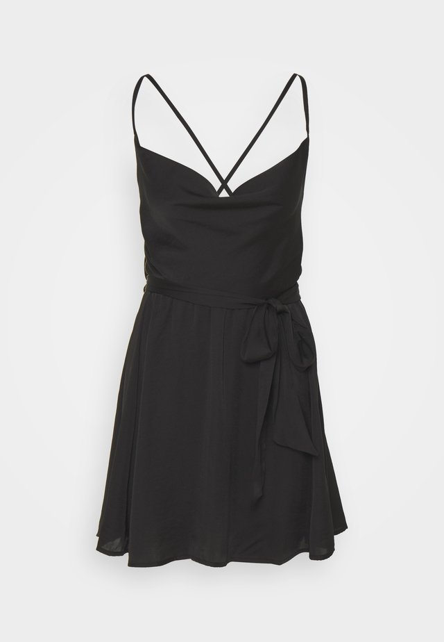 GOOD COMPANY SLIP - Korte jurk - black
