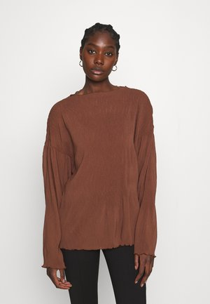 Long sleeved top - choclate brown