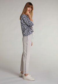Oui - Tracksuit bottoms - silver lining - 1