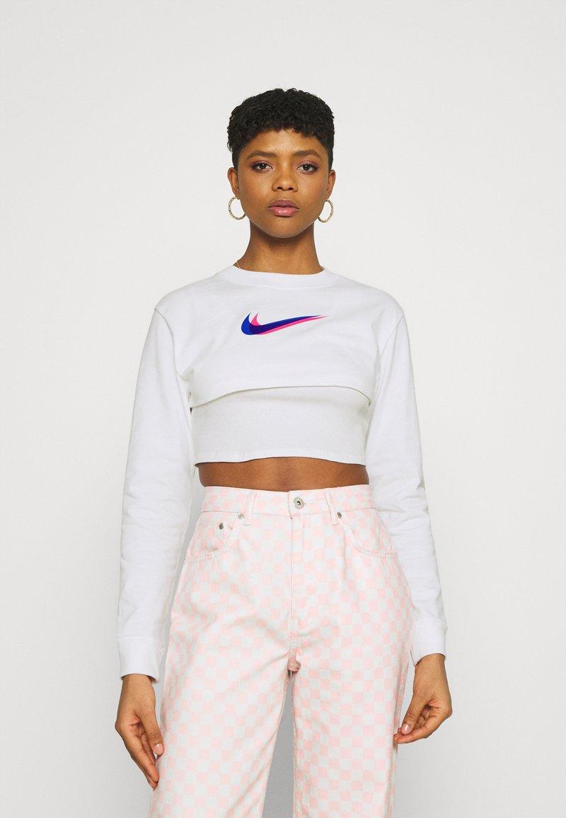 Nike Sportswear - CROP  - Long sleeved top - white